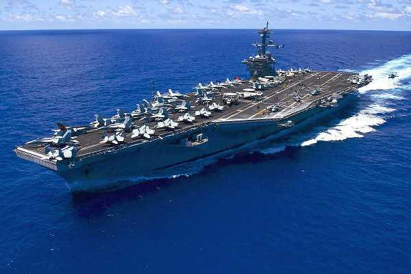The U.S. Navy aircraft carrier USS Carl Vinson (CVN-70)